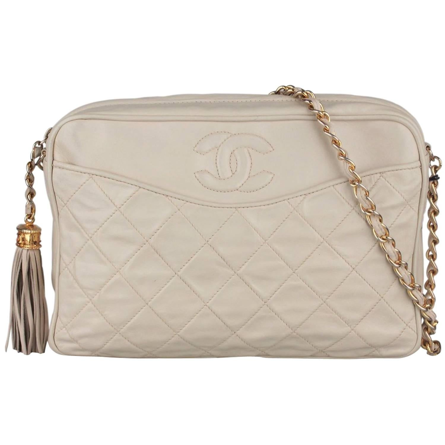 912529d2391c CHANEL Vintage Ivory QUILTED Leather CC Stitch CAMERA BAG w/ Tassel For  Sale at 1stdibs