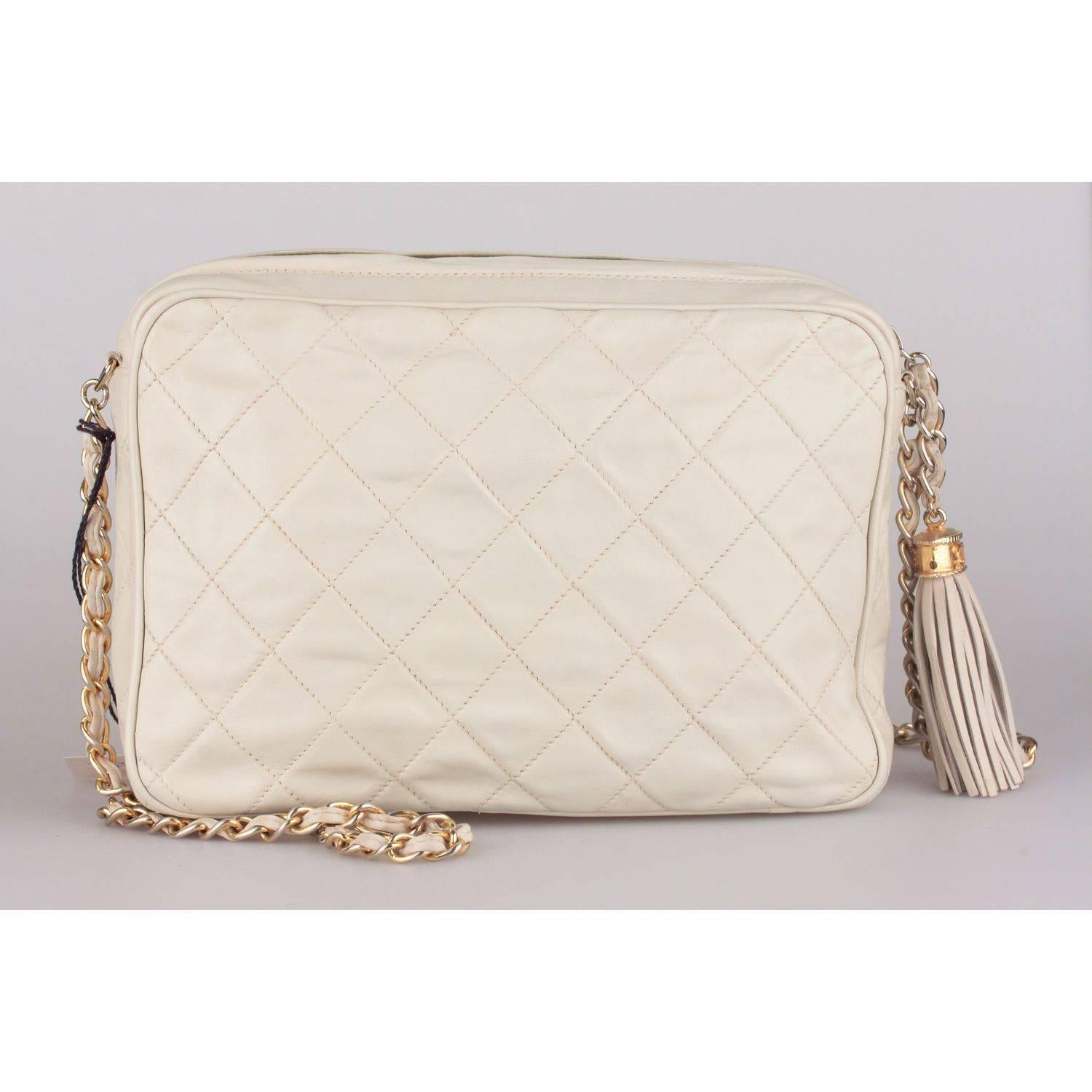 0b46df0e2453 CHANEL Vintage Ivory QUILTED Leather CC Stitch CAMERA BAG w/ Tassel For Sale  at 1stdibs
