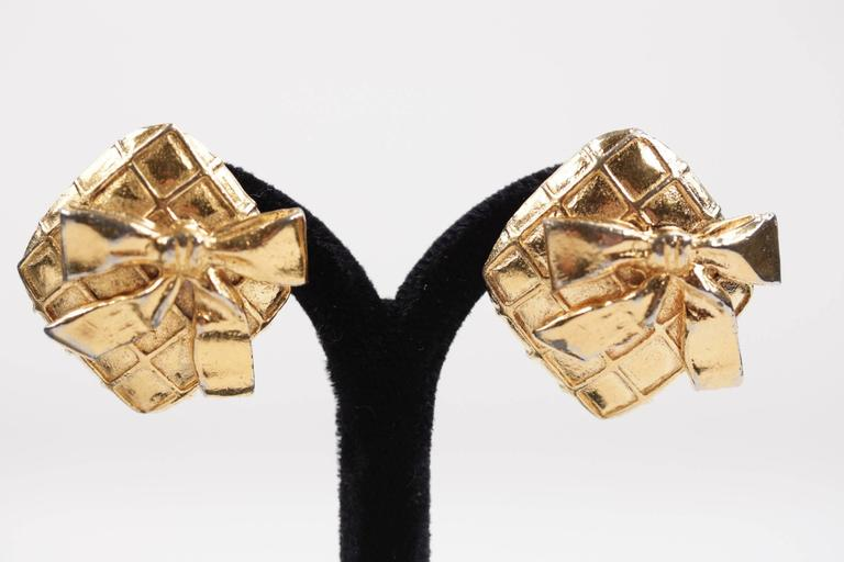 Chanel Vintage Quilted Gold Metal Clip on Earrings Bow Detailing with Box For Sale 1