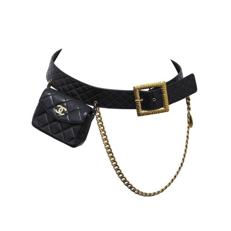 Vintage Chanel Belt with Pack and Gold Chain For Sale
