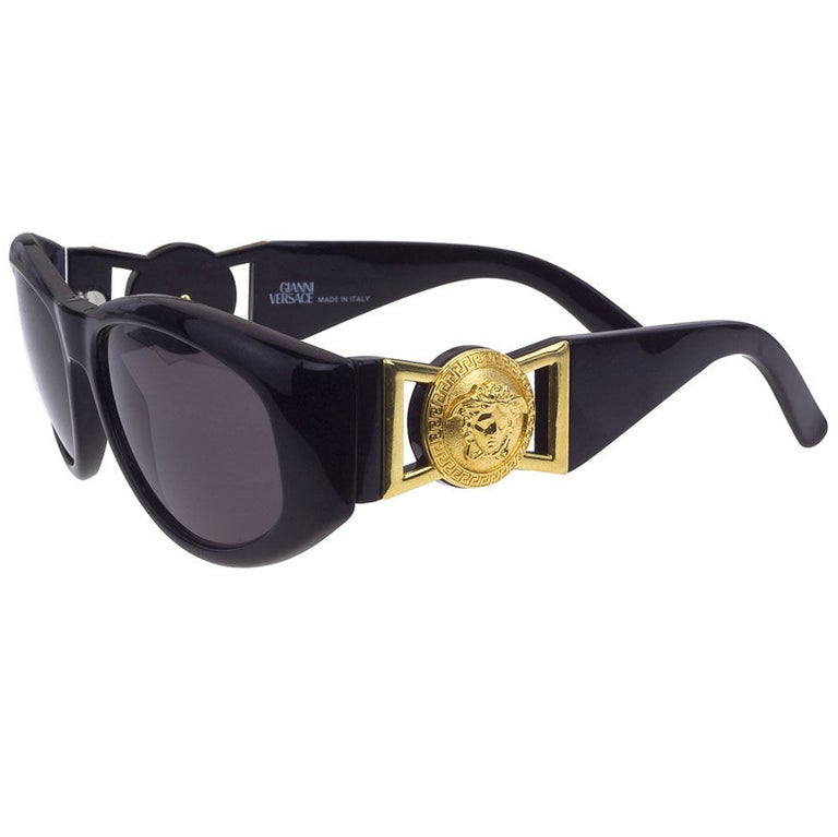 3935a4d2f9fc5 Vintage Gianni Versace Mod 424 Sunglasses For Sale at 1stdibs