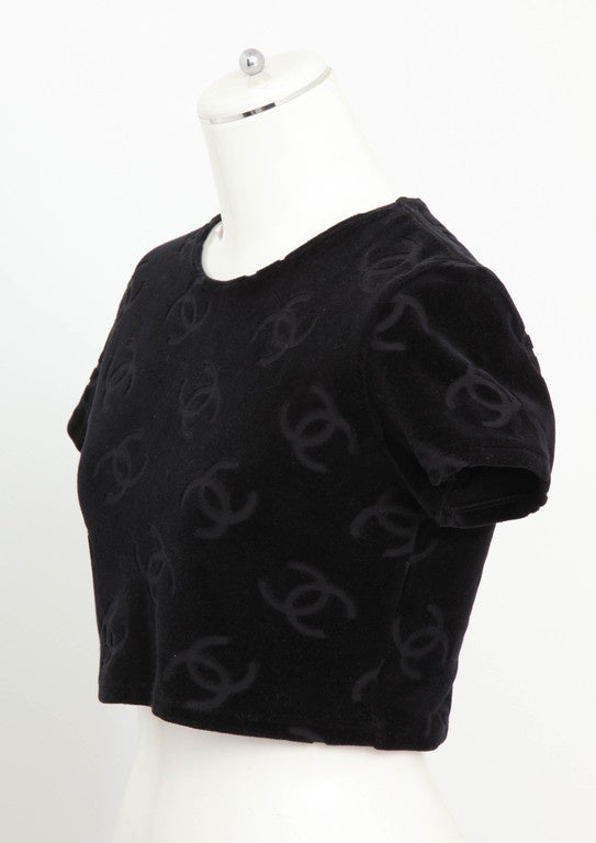 Rare Chanel 1996 CC Velour Cropped Top T-shirt Black For Sale 1