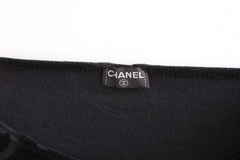 Rare Chanel 1996 CC Velour Cropped Top T-shirt Black For Sale 2