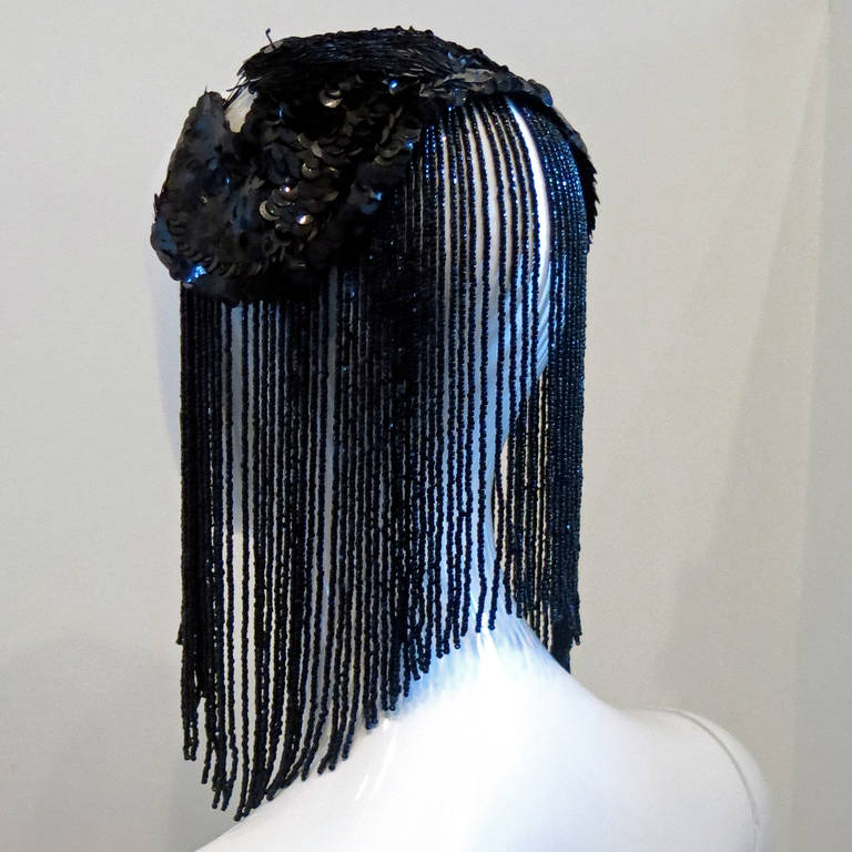 1950s Black Sequin Headdress With Jet Black Bead Fringe In Good Condition For Sale In Brooklyn, NY