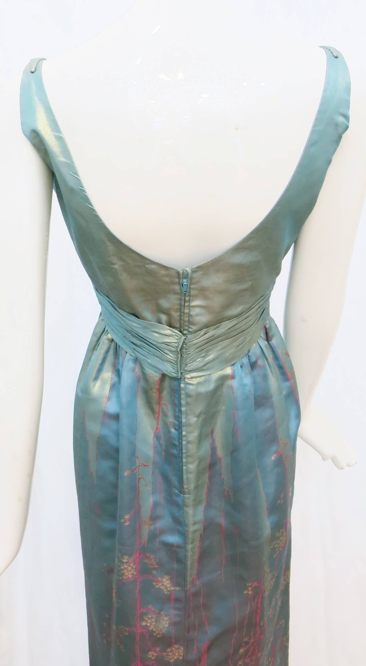 1950s Aqua Iridescent Silk Column Gown with Hot Pink Orient Motif For Sale 2