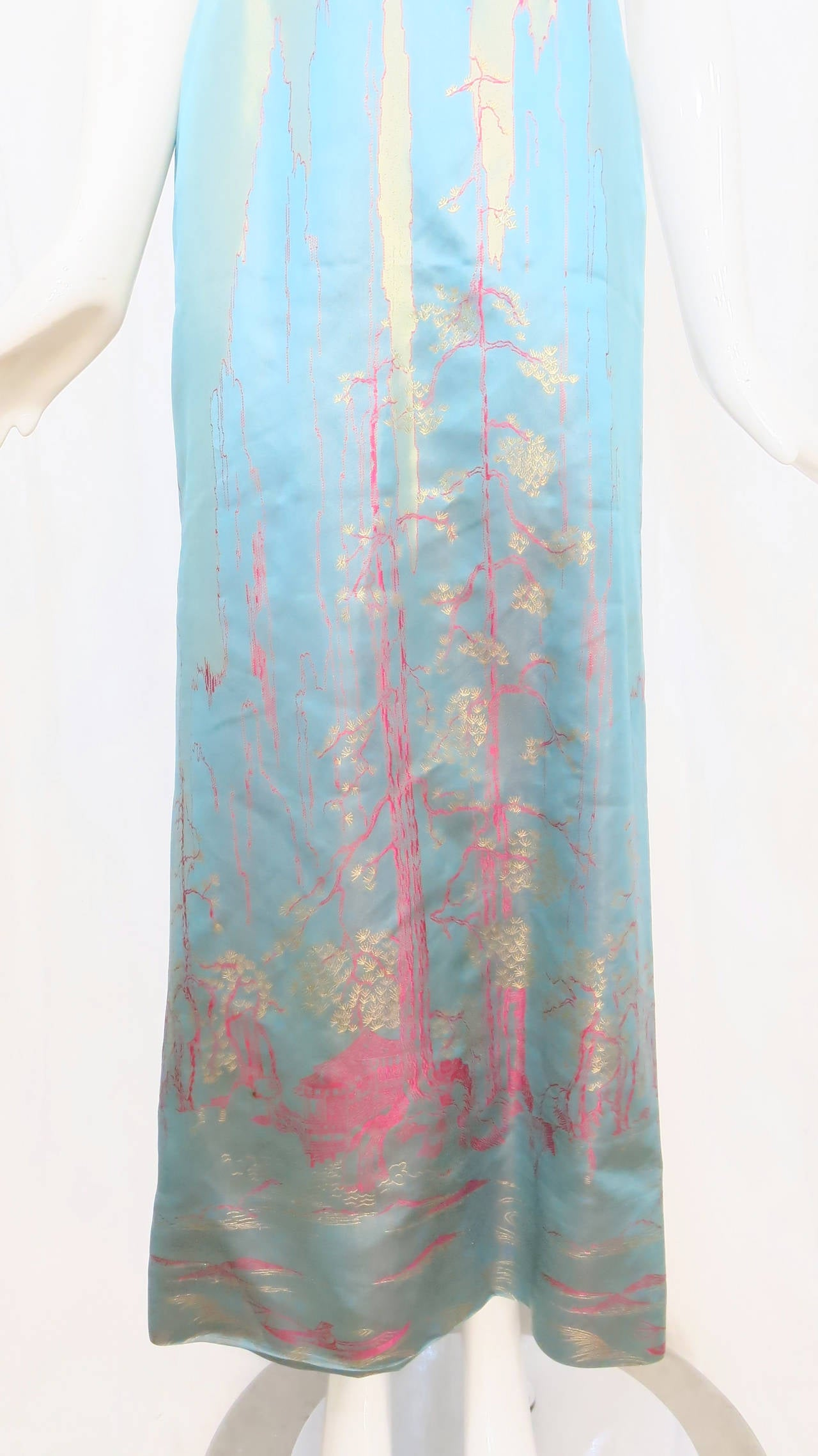 1950s Aqua Iridescent Silk Column Gown with Hot Pink Orient Motif For Sale 5