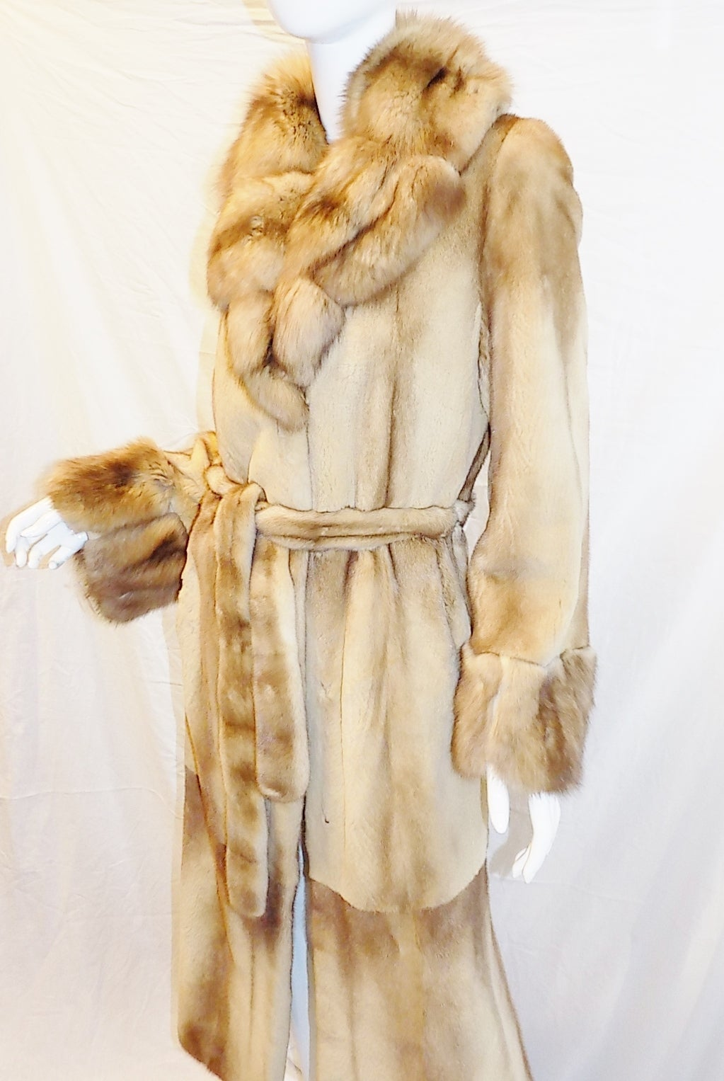 Golden Russian  Sable  Spectacular Saga Furs Royal duster coat In Excellent Condition For Sale In New York, NY