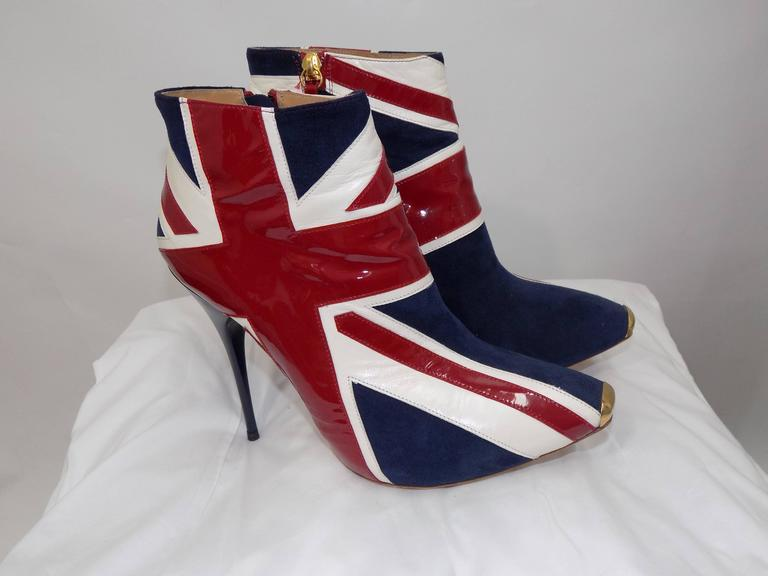 ALEXANDER MCQUEEN Union Jack ankle boots In Excellent Condition For Sale In New York, NY