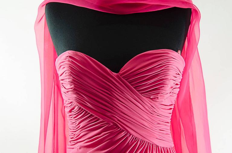 Victor Costa Beautiful Hollywood  glamor strapless pink gown with long shawl 4