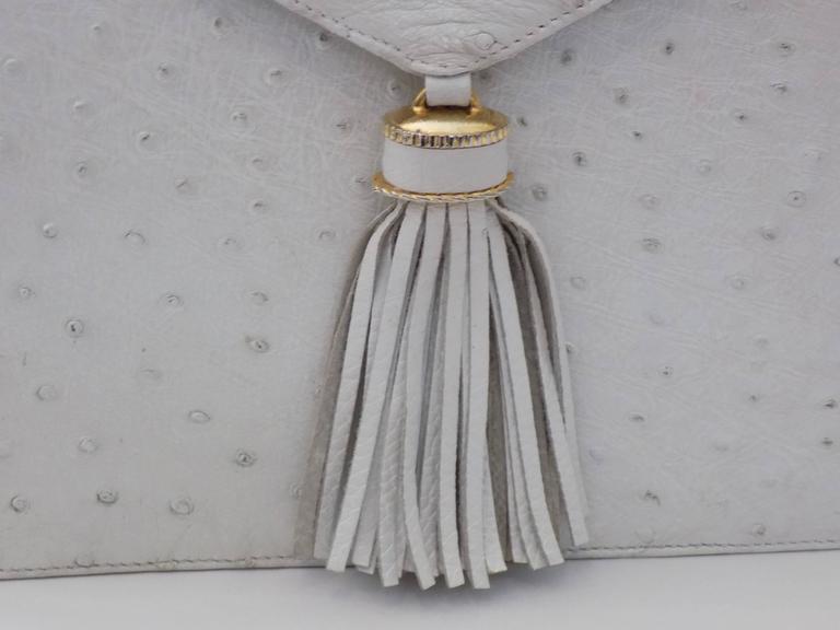 Women's SISO Vintage white ostrich envelope clutch  - shoulder bag For Sale