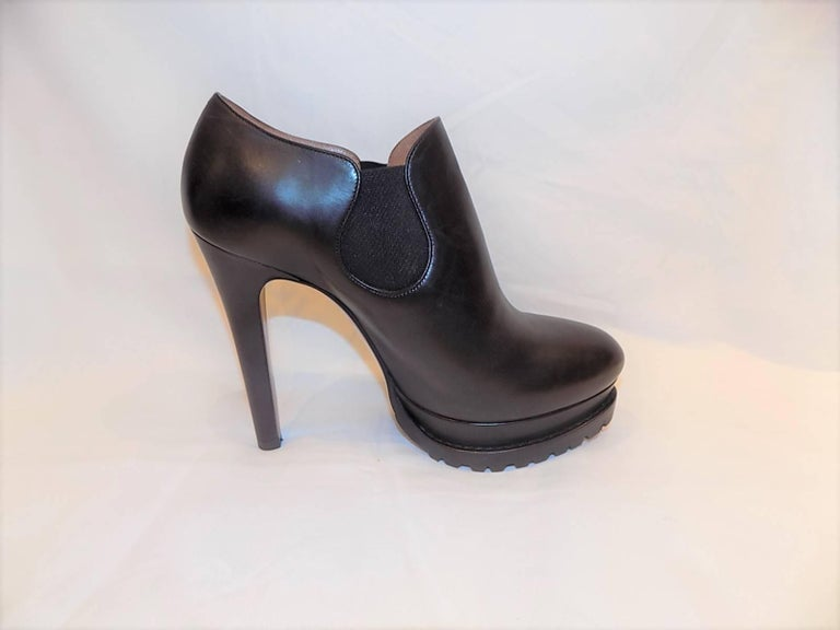 Alaïa Black Leather Platform Booties In New Never_worn Condition For Sale In New York, NY