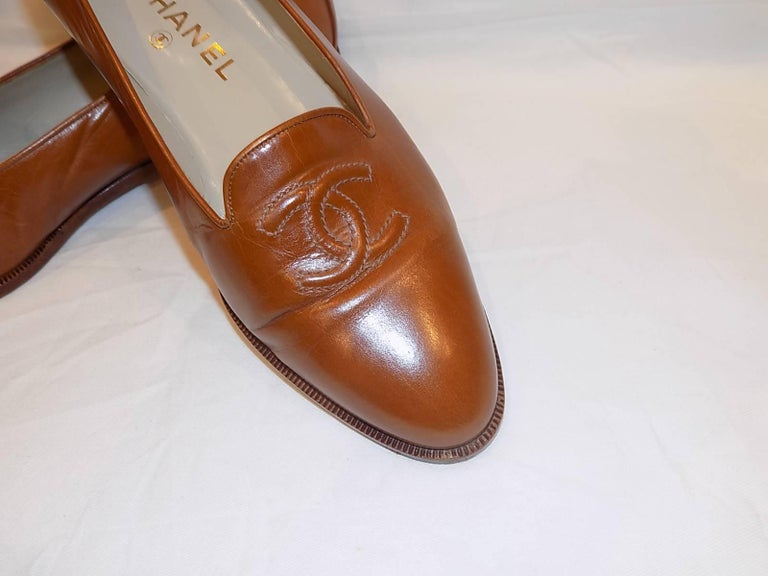 Chanel CC logo flat loafer shoes  sz 40 3