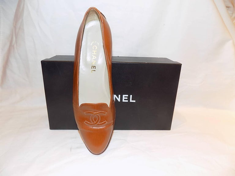 Chanel CC logo flat loafer shoes  sz 40 5