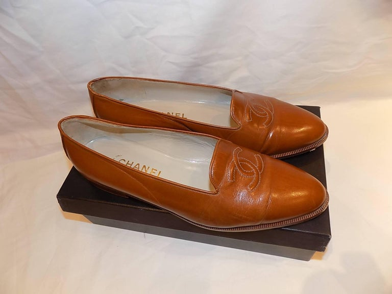 Chanel CC logo flat loafer shoes  sz 40 6