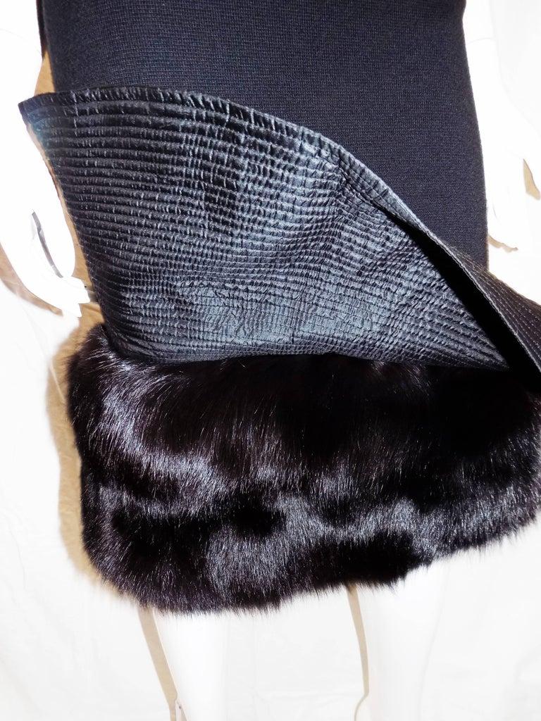 Gianfranco Ferre Vintage black knit cocktail dress with fox Fur trim For Sale 2
