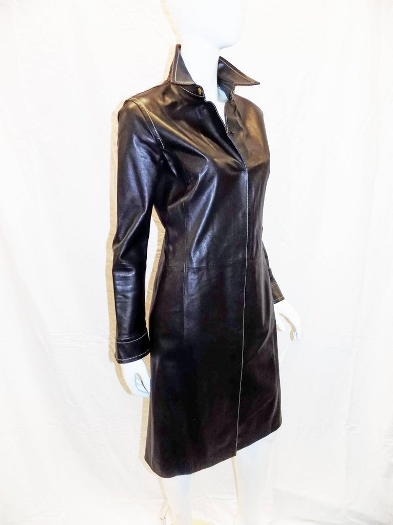 Coach black leather coat dress with tonal top stitch In New Never_worn Condition For Sale In New York, NY