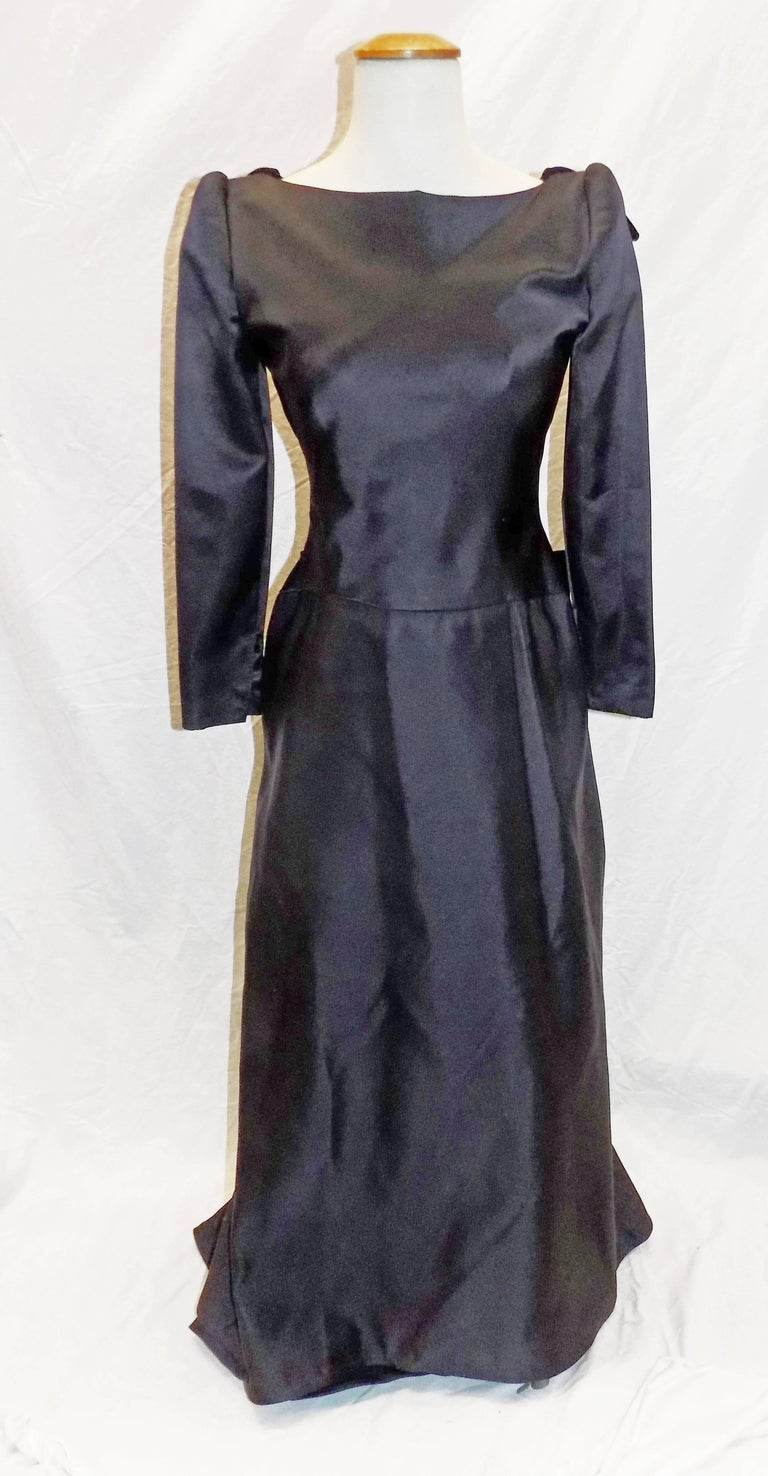 Oscar de la Renta Vintage  Black silk gown w velvet details For Sale 3