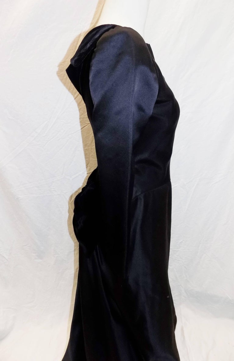 Oscar de la Renta Vintage  Black silk gown w velvet details For Sale 2