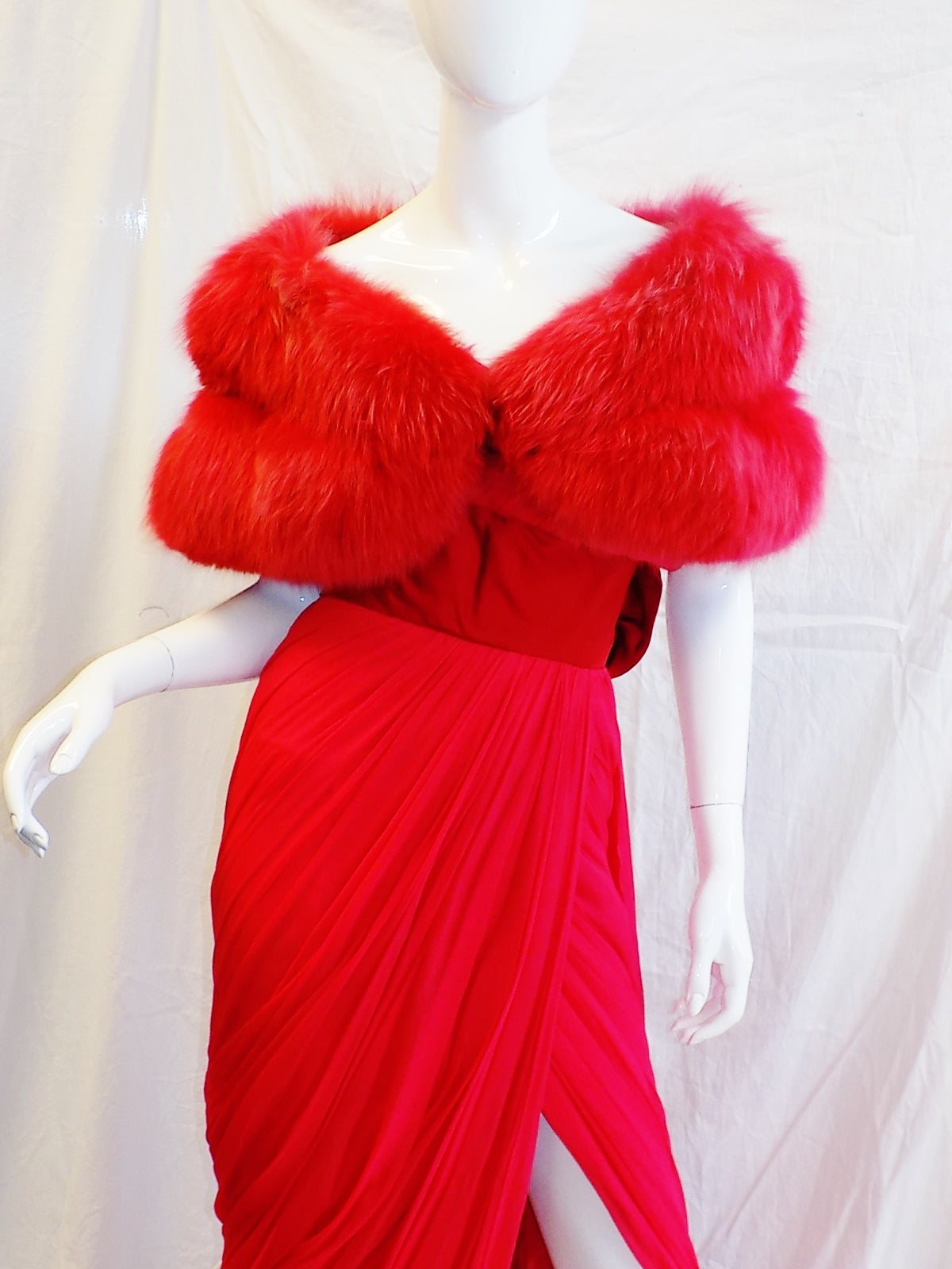 Iconic Jean Dessès Red draped gown with Fox fur stole 1950's In Excellent Condition For Sale In New York, NY