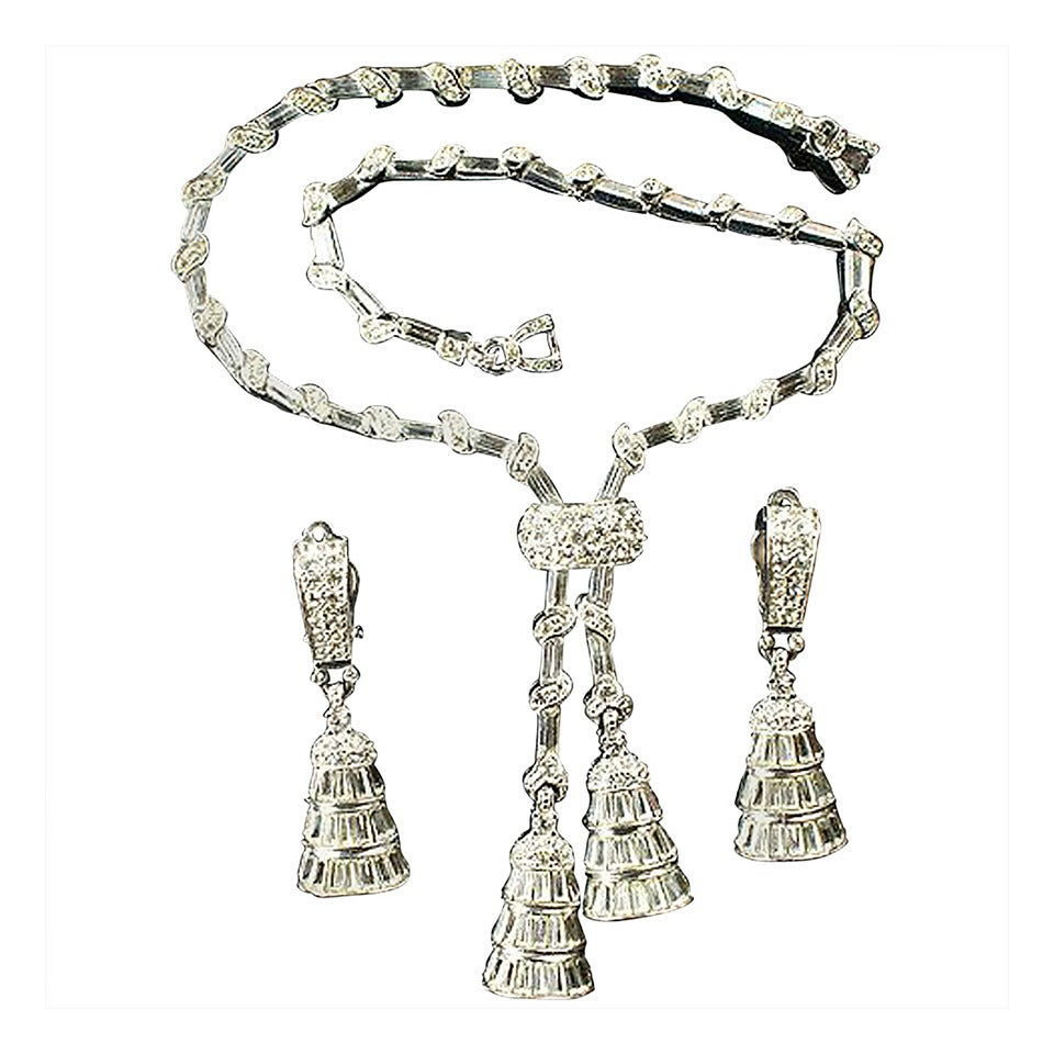 Circa 1940's beautiful  PENNINO lariat pendant necklace and clip earrings set For Sale