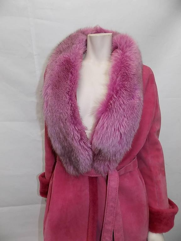 Gianni Versace  Vintage  Rose Long Belted shearling with Fox fur Collar In Excellent Condition For Sale In New York, NY