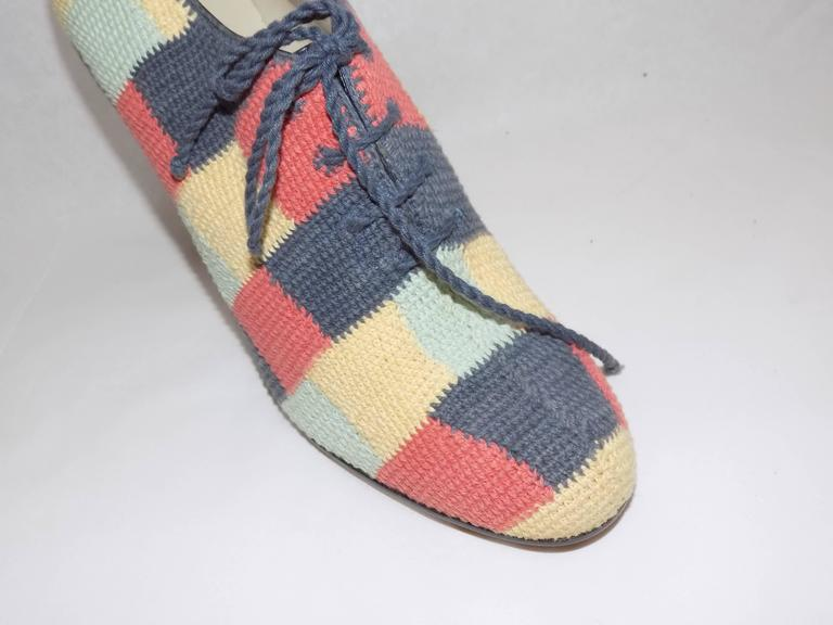 Iconic Salvatore Ferragamo limited Museum  edition crochet  oxford shoes In New never worn Condition For Sale In New York, NY
