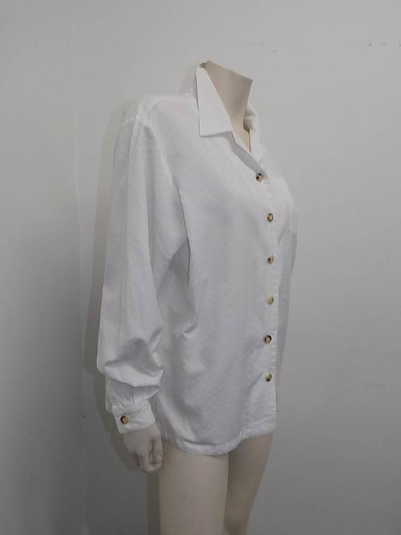 Gray Hermes white Cotton shirt Blouse with horne buttons For Sale