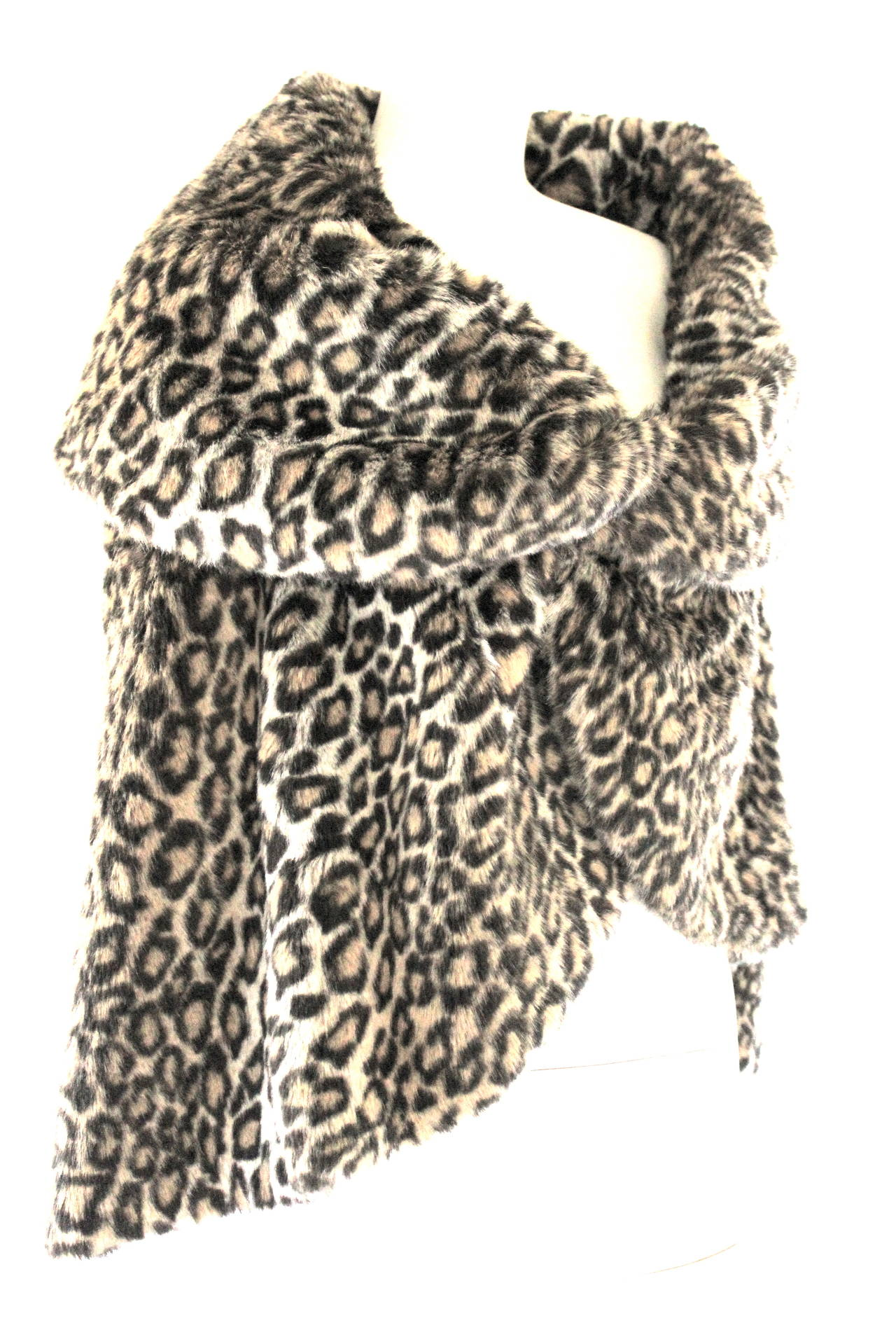 Junya Watanabe for CDG AD 2000 Faux Fur Leopard Cape In Excellent Condition For Sale In Bath, GB