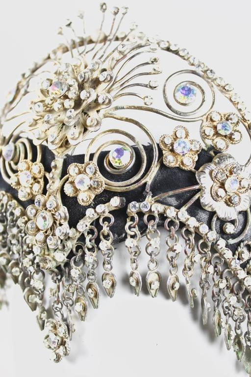 Vintage Ornate Scroll Work Claw Set Crystal Head Dress In Good Condition For Sale In Bath, GB