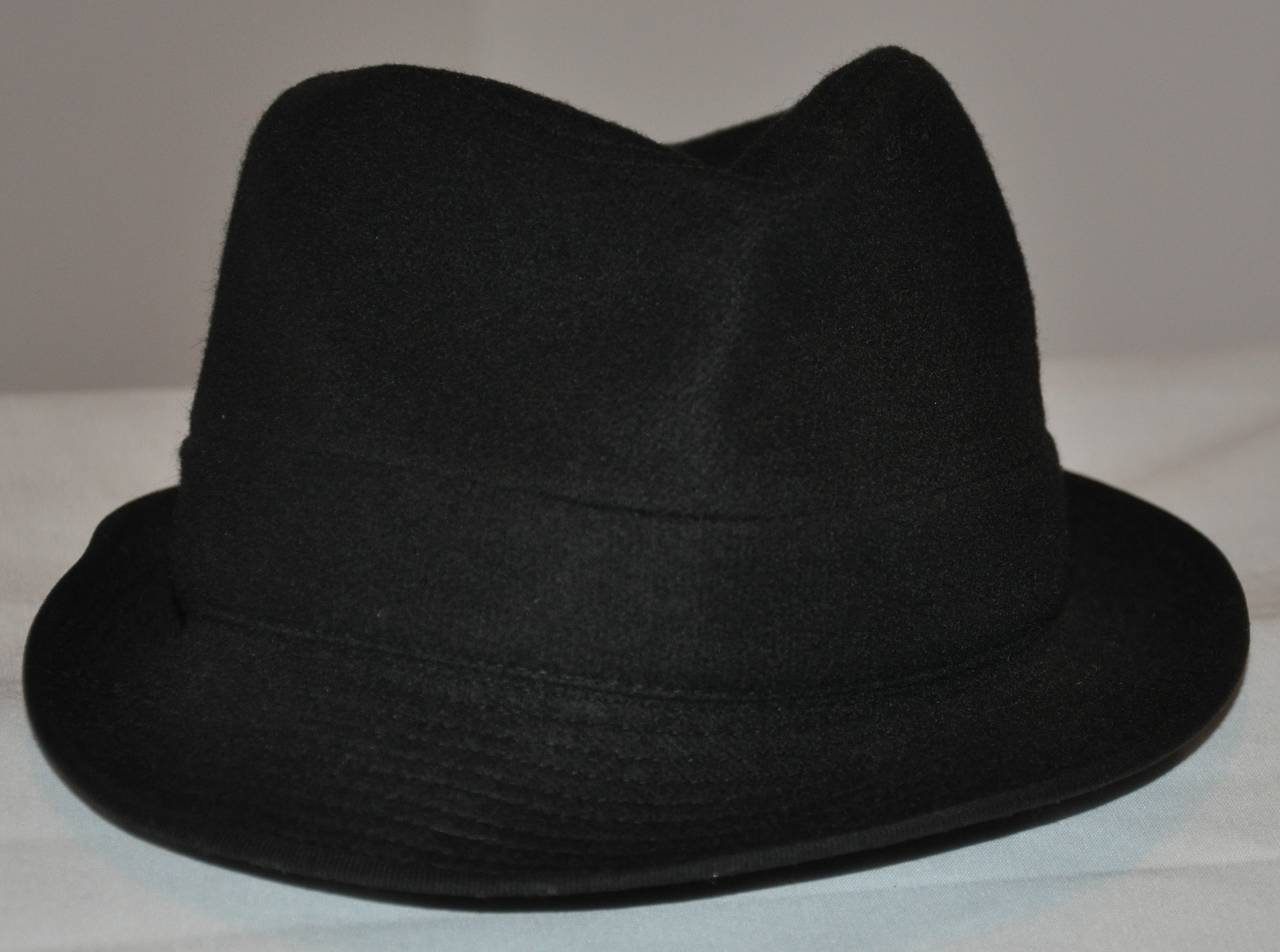 Commes des Garcon Black Wool Fedora In Excellent Condition For Sale In New York, NY