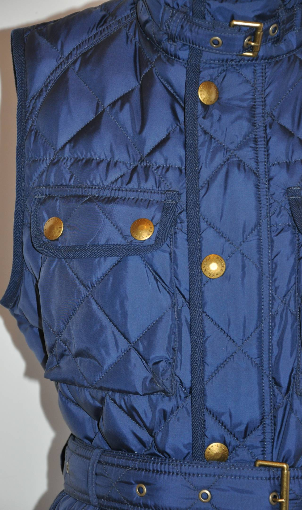 Ralph Lauren Navy Quilted Down Vest with Optional Belt In New Never_worn Condition For Sale In New York, NY