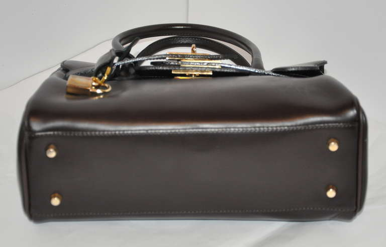 Phynes Black Leather Handbag With Attachable Shoulder Straps For 2