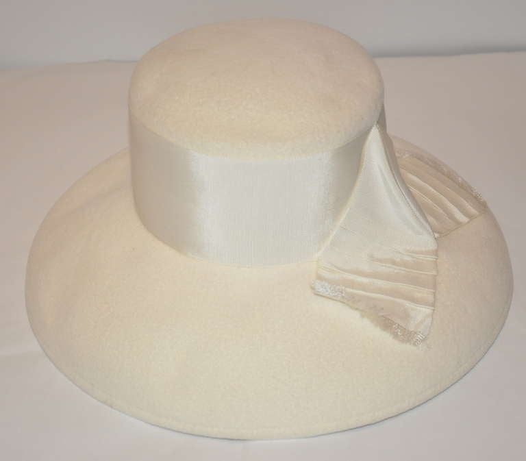 Women's Halston Ivory Wool Felt Hat with Silk Ribbon Accents For Sale