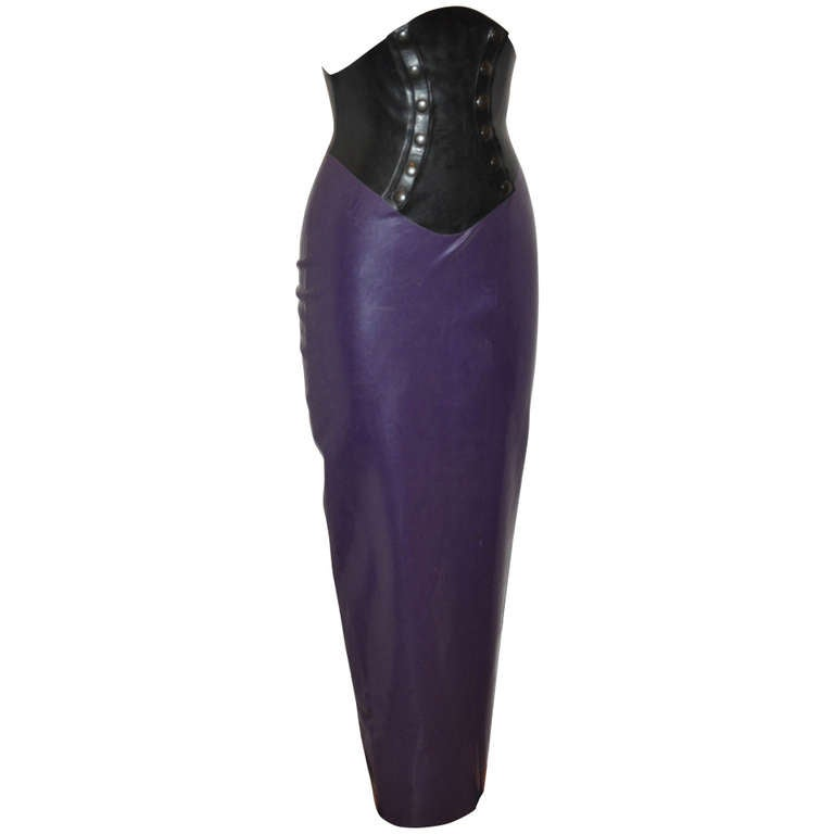 SKIN TWO Deep Plum & Black Latex Double Snap Long Form-Fitting Skirt For Sale