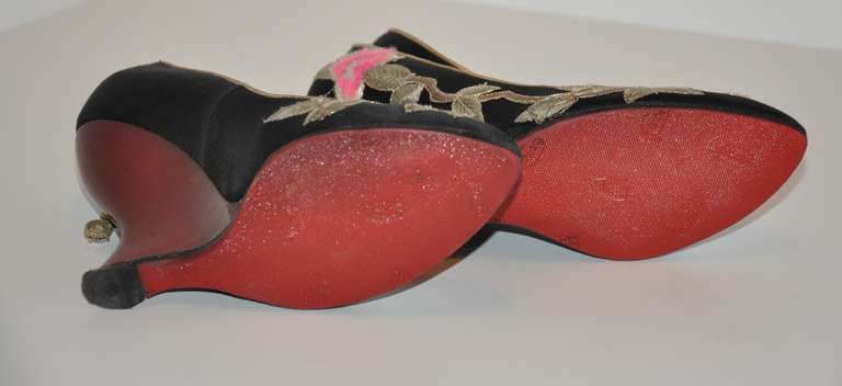Yves Saint Laurent Hand-Embroidered Blood-Red Patent Leather Wedge Shoe In Excellent Condition For Sale In New York, NY