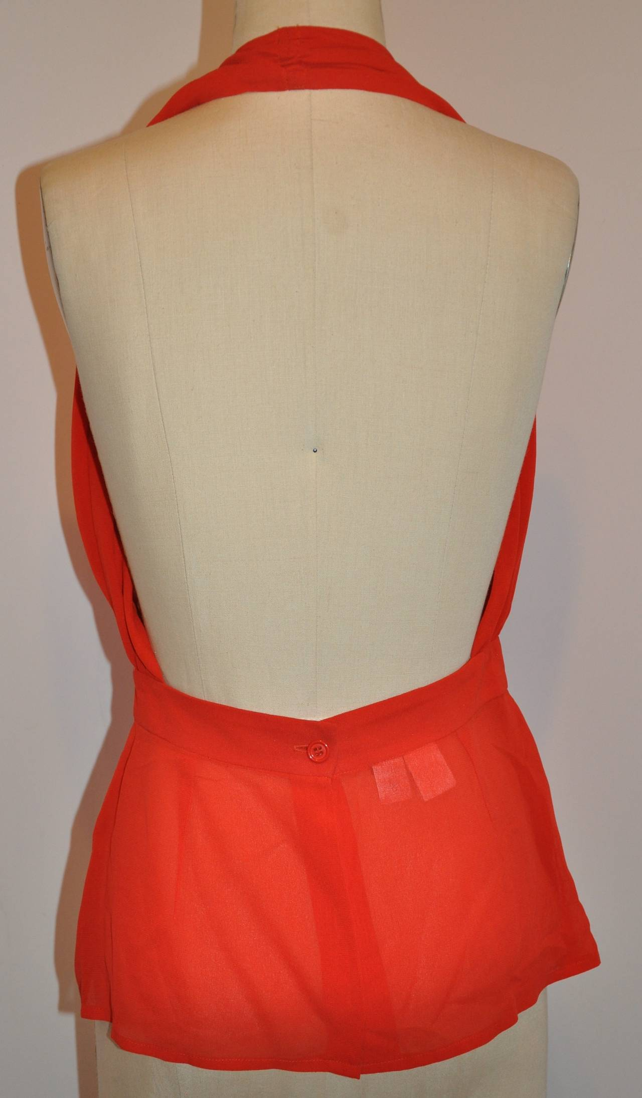 Halston Signature Double-Layered Red Crepe Halter Button Top In Good Condition For Sale In New York, NY