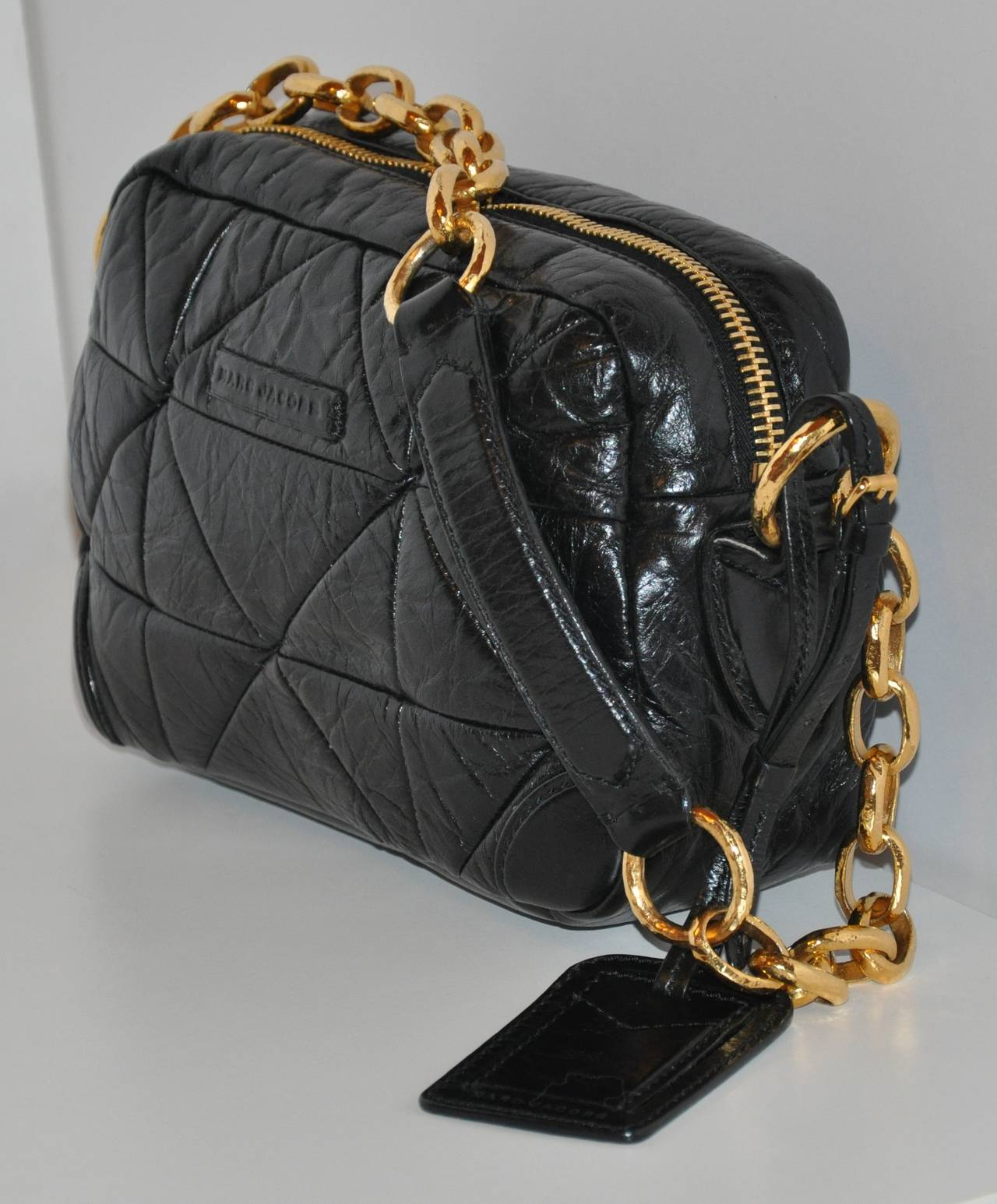 Marc Jacobs Black Calfskin Quilted With Gold Hardware Shoulder Bag In Excellent Condition For