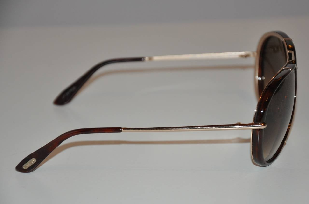 Tom Ford Brown Lucite with Gold Hardware Frame and Accent Sunglasses In Good Condition For Sale In New York, NY