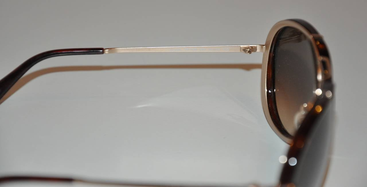 Women's or Men's Tom Ford Brown Lucite with Gold Hardware Frame and Accent Sunglasses For Sale
