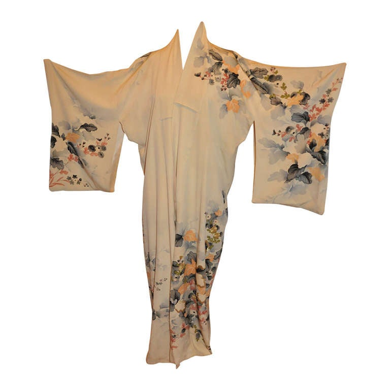 Vintage Fully Lined Silk Japanese Kimono with Floral and Gold Lame Accents 1