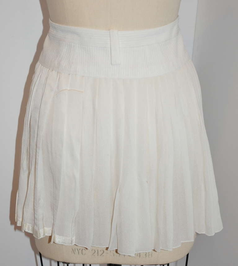 Women's Marc Jacobs White Silk Pleated Zipper Front Mini Skirt For Sale