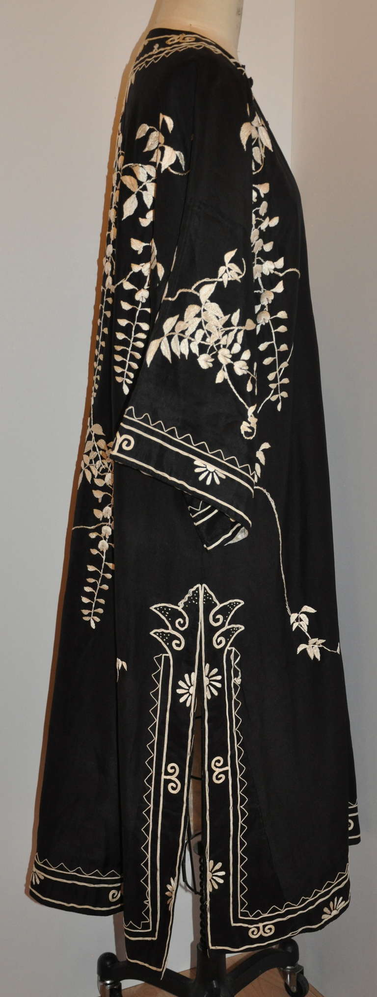 "Vintage Kimono of Hand-Embroidered ""Floral with Branches & Leaves"" For Sale 2"