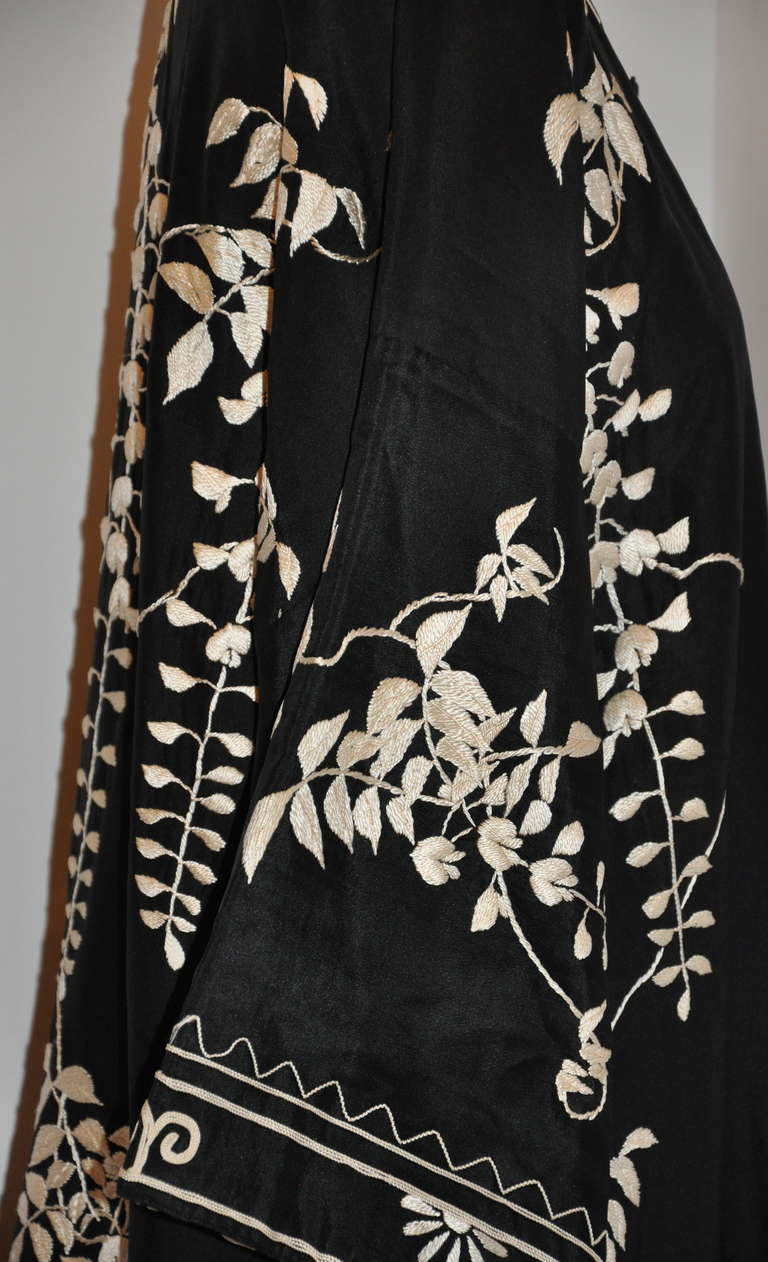 "Vintage Kimono of Hand-Embroidered ""Floral with Branches & Leaves"" For Sale 5"