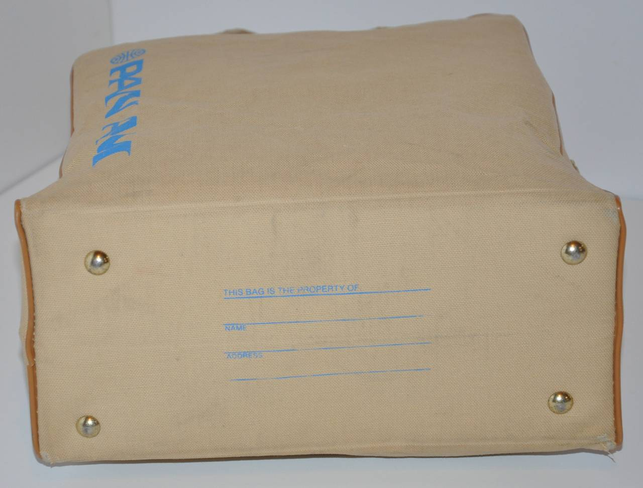 Rare Pan Am Commercial Beige Travel Tote with Signature Logo & I.D. In Fair Condition For Sale In New York, NY