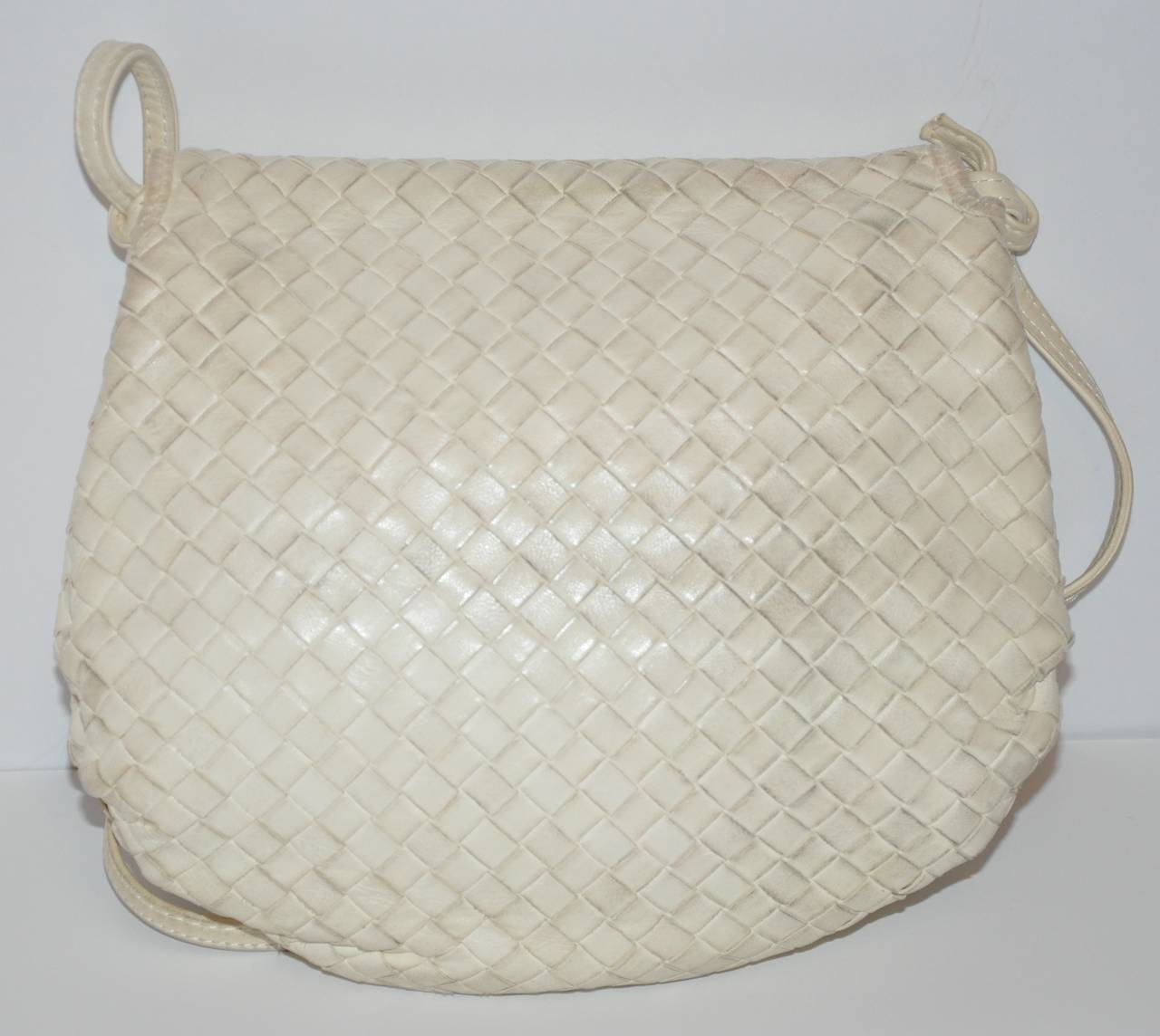 Gray Bottega Veneta Cream Signature Lambskin Woven Shoulder Bag For Sale