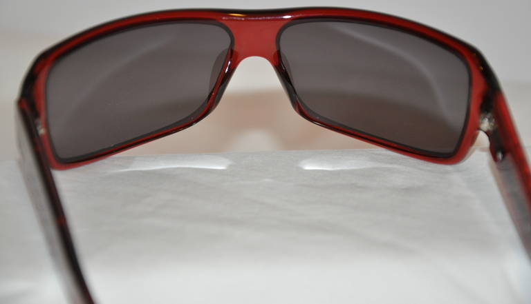 "Christian Dior Burgundy/Brown Lucite with ""Chain"" Accent Sunglasses For Sale 1"