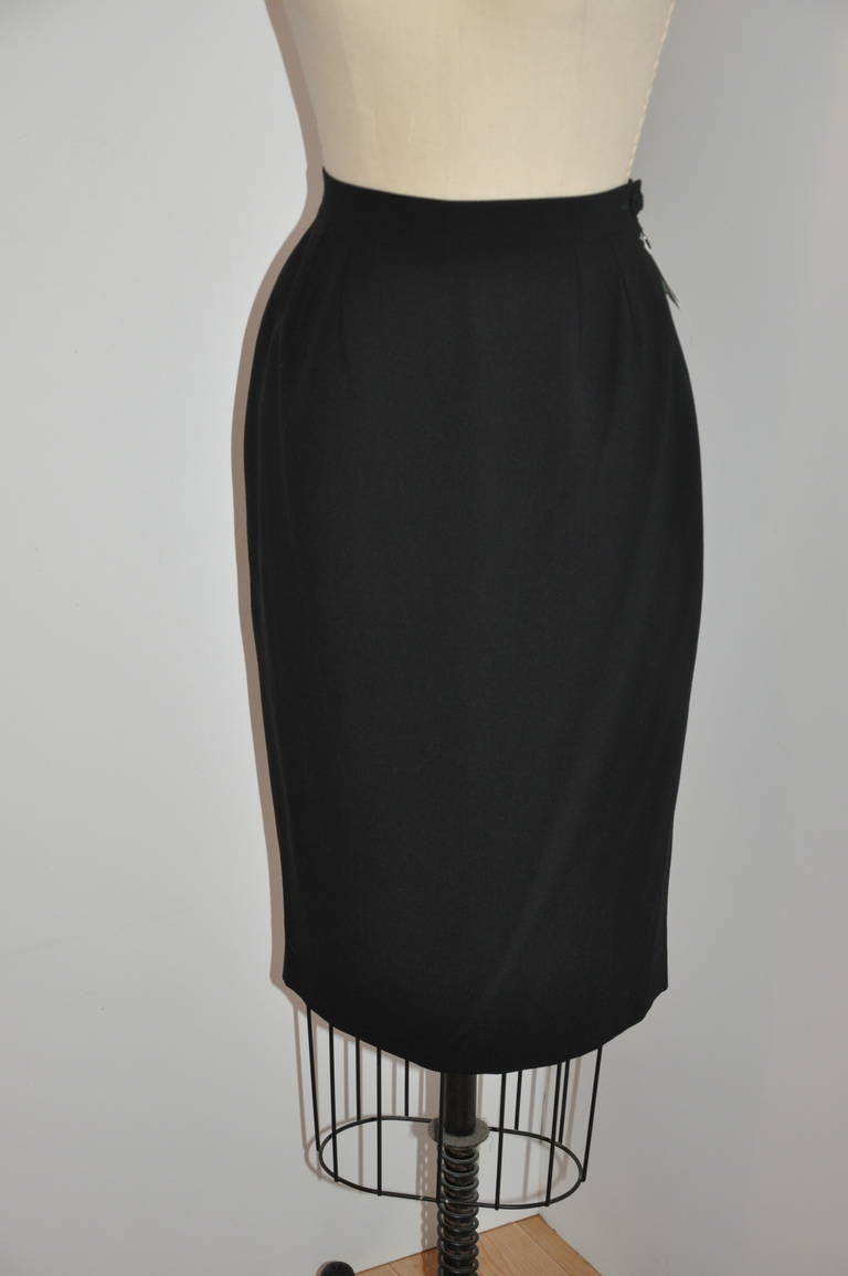 Guy Laroche 'Couture' Black Skirt Suit with Peplum Evening Jacket In New Never_worn Condition For Sale In New York, NY