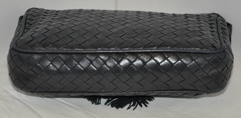 Bottega Veneta Signature Woven Lambskin with Tassles Clutch/ Shoulder Bag In Excellent Condition For Sale In New York, NY