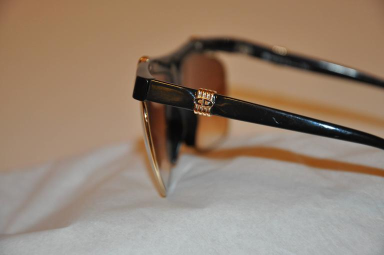 Women's or Men's Christian Dior Thick Black Lucite with Etched Gold Hardware Sunglasses For Sale
