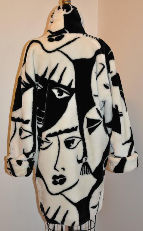 "DonnyBrook Bold Black & White Abstract ""Faces"" Faux Fur Car Coat 2"